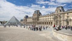 """Nur eine der zahlreichen Stationen durch Paris: der """"Louvre"""""""
