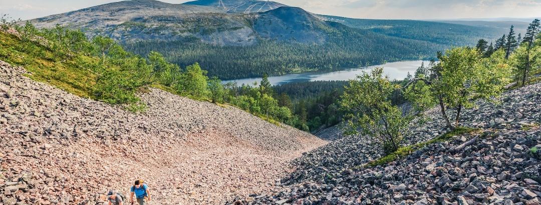 Pirunkuru (Devil's Gorge), Lake Kesänkijärvi and Yllästunturi Kellostapuli