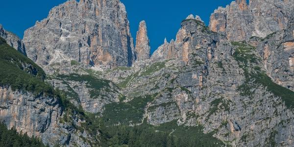 Panorama dal sentiero Pradel - rifugio Croz dell'Altissimo