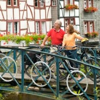 Radfahrer in Monschau