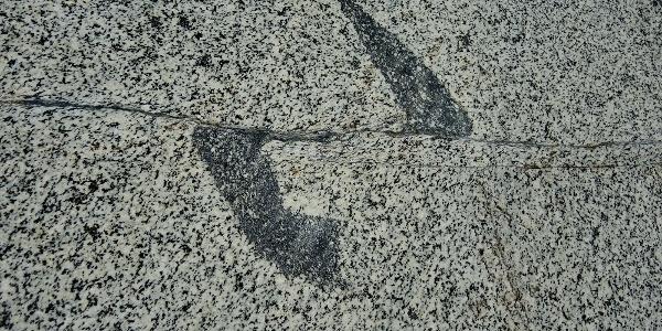 Paralelle Verschiebung der Granitplatten