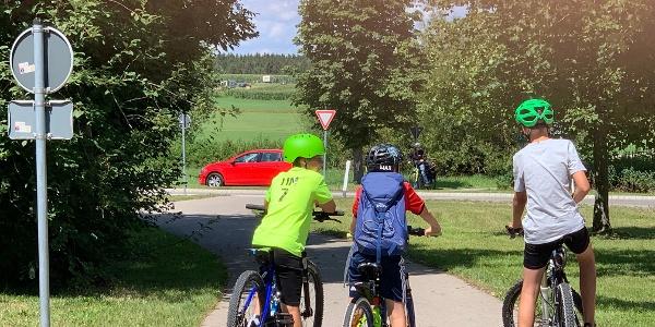 Auf den Weg zum Günztalradweg von der Memminger Straße herkommend