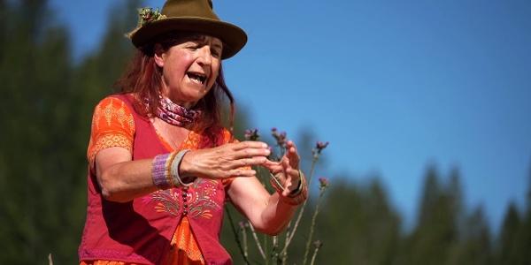 Hertha Glück erzählt die Sage vom reichen geizigen Bauer beim Wildried (Hochdeutsch)