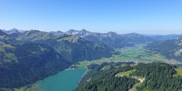 מבט מההרים על אגם הלדן
