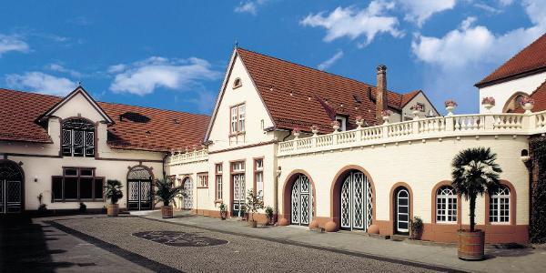 Schlosshof, Sektkellerei Schloss Wachenheim