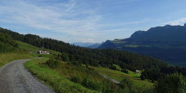 0100 Im Aufstieg Richtung Alp Stäz