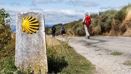 Wegsymbol auf dem Jakobsweg