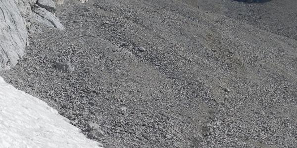 letzte Altschneefelder im Gerölltal
