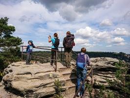 Foto Eine der nördlichen Aussichtsstellen auf dem Rauenstein