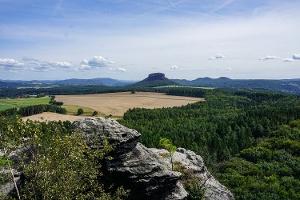 Foto Aussicht vom Großen Bärenstein auf den Lilienstein