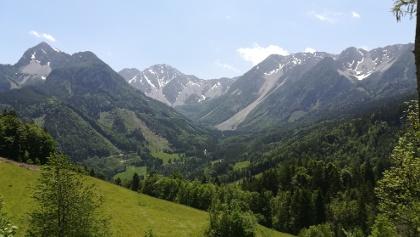 am Weg zur Klagenfurter Hütte ein Blick von Alt St. Michael nach Osten in das Obere Bärental sowie zum Kosiak (li.), zum Hochstuhl und Weinasch