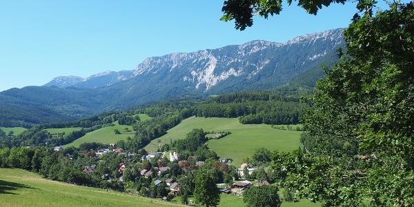 600m L136, Blick ü. Edlach zur Preinerwand