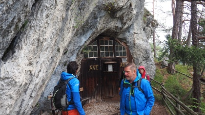 Eingang Höhle-Gaißkirchl 975m