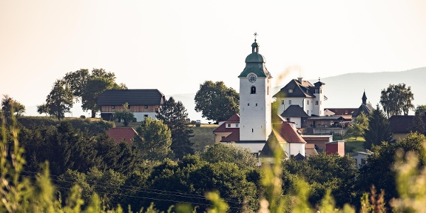 Blick auf die Pfarrkirche Kappel