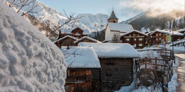 winter_tschiertschen_kirche_dorf_urshomberger