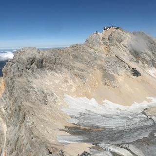 Blick auf das Zugspitzplatt vom Schneefernerkopf