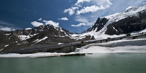Gletschersee am Fuß des Sulzenauferners
