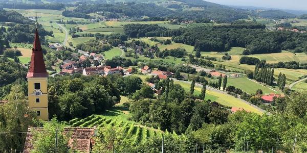 Blick vom Schloss Kapfenstein
