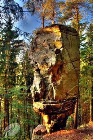 Beeindruckender Felsen (Foto: Pierre Haas, Quelle: Zweckverband Naturpark Südeifel)
