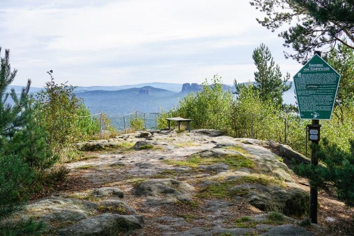 Foto Die wunderschöne Aussichtsstelle des Kohlbornsteins