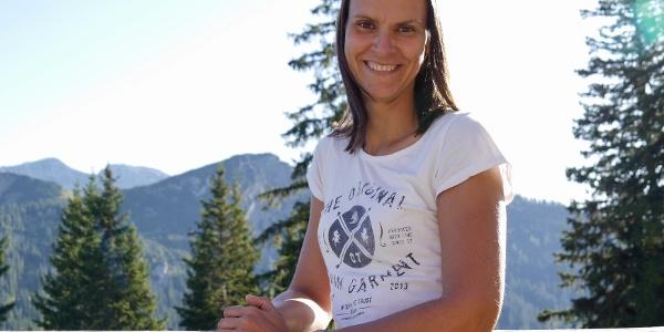 die neue Hüttenwirtin Anita begrüßt euch ab Mai 2020