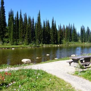 Balsam Lake am Mount Revelstoke.