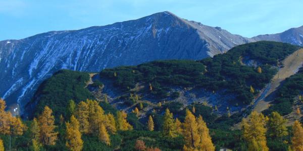 Blick auf das Tagesziel von der Bergstation des 6er Sessels