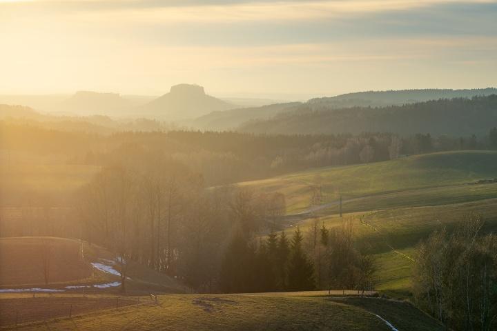 Foto Blick von Lichtenhain Richtung Lilienstein und Festung Königstein