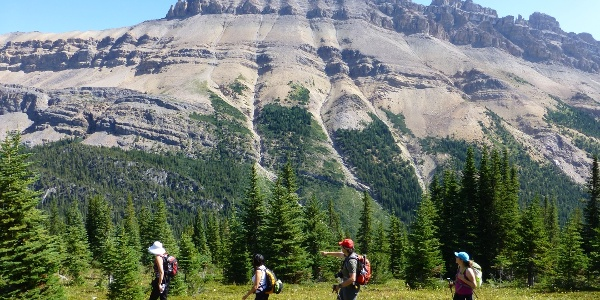 Wanderer am Helen Lake Trail.
