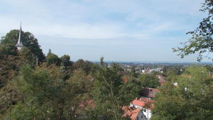 Blick auf Jugenheim mit der Bergkirche