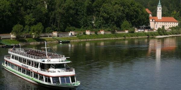 Schifffahrt durch den Donaudurchbruch zum Kloster Weltenburg