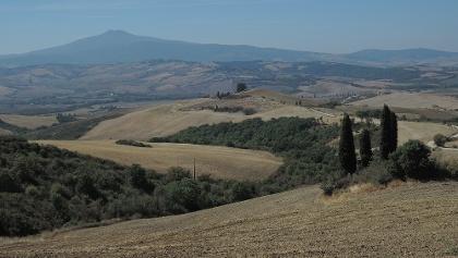 Blick über das Val d´Orca zum Monte Amiata