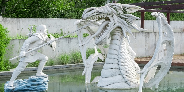 Vid küzdelme az ecsedi láp sárkányával a nyírbátori történelmi sétányon