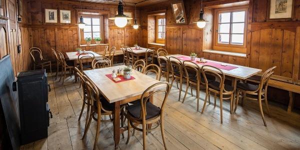 Gaststube der Neuen Prager Hütte