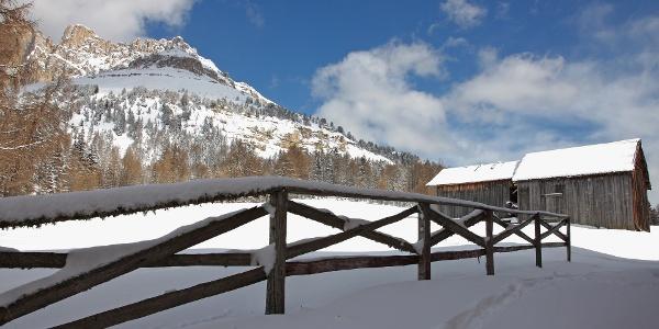Der Karerpass ist der ideale Ausgangspunkt, um die Welt des Schnees auf die romantischste Weise zu erleben
