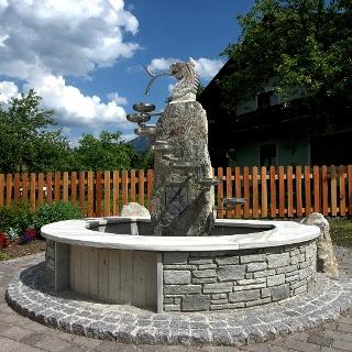 Dorfbrunnen in Aich
