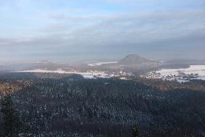 Foto Blick vom Papststein Richtung Lilienstein und Festung Königstein