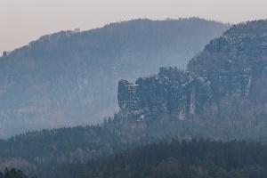 Foto Blick zu den Schrammsteinen vom Panoramaweg