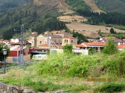 Potes mit Kirche San Vicente