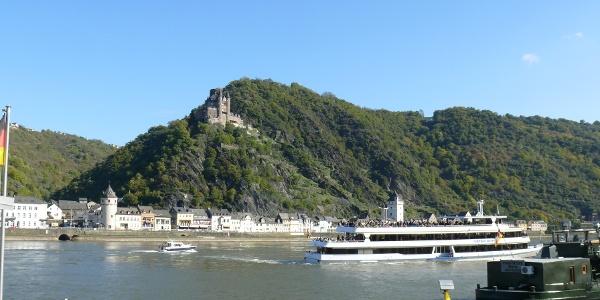 Blick auf Burg Katz über St. Goarshausen