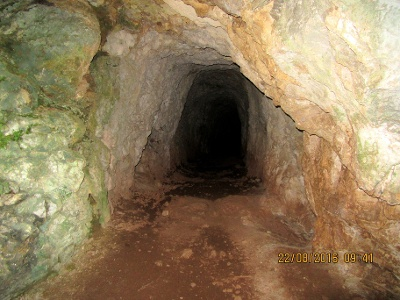 Eingang in Cueva Orandi