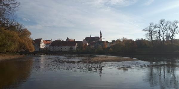 Blick auf Straubing am Donaustrand
