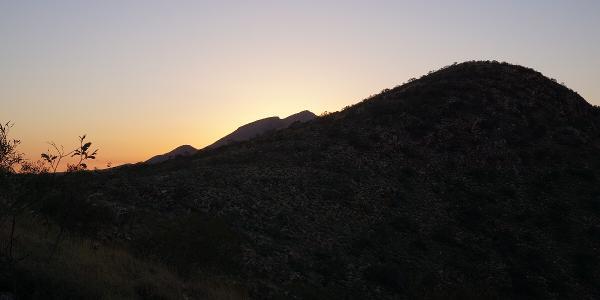 Das Ziel bei Sonnenaufgang schon in Sicht