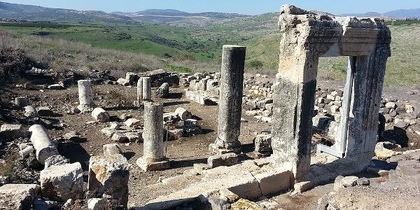Ruinen einer prächtigen Synagoge