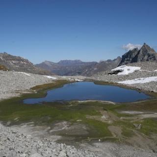 Bergsee unterhalb Soredapass (Vals)