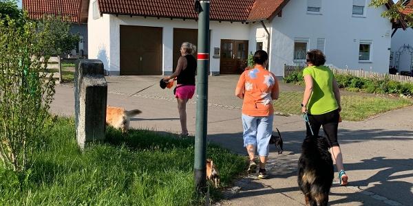 Start der Schelmenheider Runde an der Heinrich-Heine-Straße