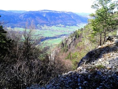 Abstieg vom Raimeux: Blick Rtg. Moutier
