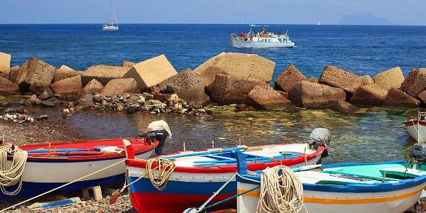 Boote an Salinas Küste