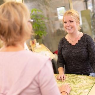 Beratung in der Tourist Information