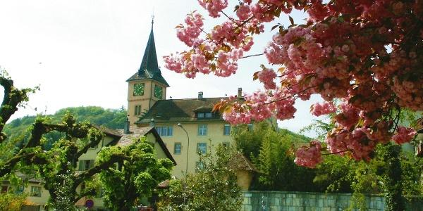 Schulhaus von Erlach
